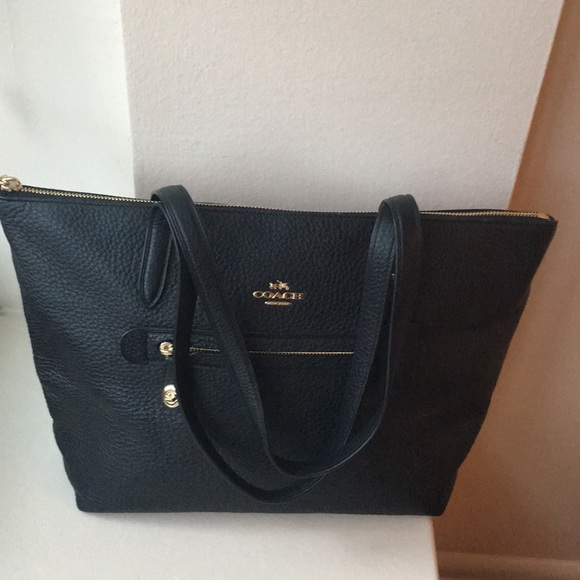 581a2d73741 Coach Bags   Taylor Tote In Pebble Leather   Poshmark